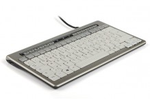 Kompakte Tastatur 840 DE, USB, Multimedia-Tasten, 2 USB-Ports,